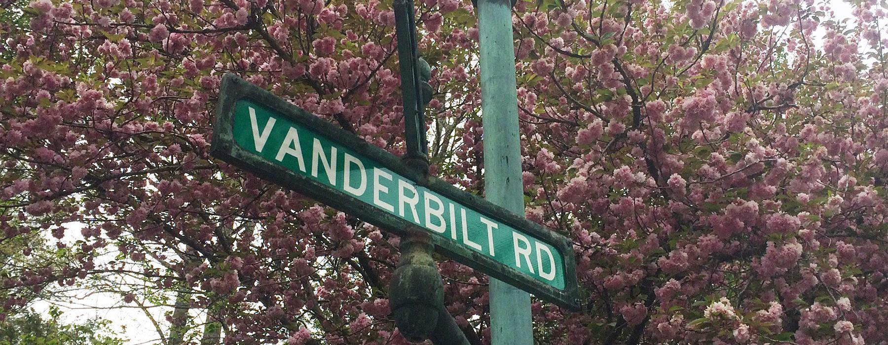Vanderbilt Lamp post